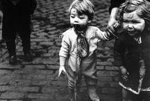 Bill Brandt / Bill Brandt (3 de mayo de 1904 - 20 de diciembre de 1983) fue un fotógrafo británico conocido por sus imágenes en blanco y negro sobre contrastes sociales en la sociedad británica y sus fotos distorsionadas de desnudos y paisajes. También realizó fotografías como periodista gráfico.