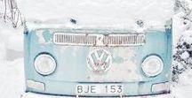 VW Winter Wedding / Trouwen in de winter met een Volkswagenbus.  #vw #vwt2 #vwwedding #volkswagen #trouwen #bruiloft #inspiratie #strand #babyblue #blauw #volkswagent2 #trouwauto #trouwbus #mint #minty #weddingcar #weddingvan #trouwvervoer #hippie #bohemian #roadtrip #volkswagenbus #volkswagenbusje #t2 #t1 #ideas #inspiration #devolkswagenbus