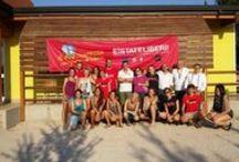 """Estate Liberi ad Erbè, un bene confiscato in provincia di Verona / Ad Erbè, l'estate di """"Libera Terra"""", presso l'azienda agricola confiscata alla mafia  costituisce un' eccellenza di come si lavora nei campi della legalità. La campagna di Erbè è rinomata per l'ottimo riso che si coltiva, ma da qualche anno, grazie alla rete di solidarietà tra lo Spi/Cgil di Verona, l'Associazione Scout e l'Associazione Libera, studenti e anziani si incontrano e per tre settimane lavorano alla ristrutturazione degli edifici e alla potatura e manutenzione della campagna"""