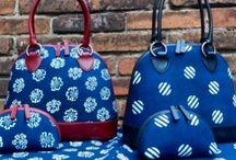 Dilians Blaudruck Handtaschen, handbedruckt und im Indigo gefärbt / Handprinted Bags, Traditional Middle European Patterns, here with Sixties Patterns, Linen and Indigo Hand Print Made in Middle Europe