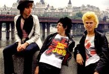 Punk and New Wave Bands plus the fashion / Old school Punk and New Wave bands from the 1970s, the fashion, style and more