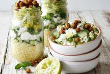 s a l a t e / Frisch und knackig mit einem würzigen, das Blatt umschmeichelnde Dressing… Ein guter Salat geht immer!   There is nothing wrong with a good salad!