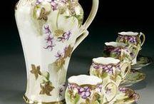 Красивые чашки, чайнички и посуда