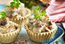 Dejlige tarteletter / Tarteletten har fået en velfortjent renæssance, vi bringer derfor lidt inspiration til klassikere og nye versioner af den skønne sprøde spise, som du kan glæde familien og dine middagsgæster med.