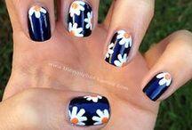 nails arts / by Maiara Donancia