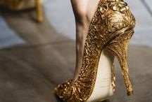 loucas por sapatos / by Maiara Donancia