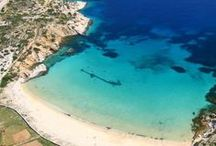 Cyclades islands / Explore the magic of Cyclades islands