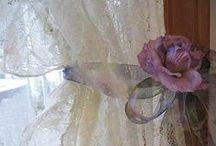 Kaikkea romanttista - vanhaa. - Romantic stuff - old, ancient.