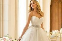 Wedding dresses ideas / Looking for that all important dress? These amazing wedding dresses are sure to give you some inspiration for your big day!