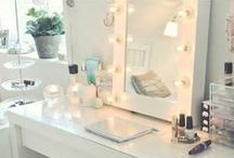 Vanity Table Inspiration / A collection of our favourite vanity/dressing table looks