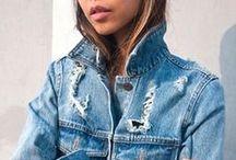 Denim is everywhere / Versatile e personalizzabile. Chi di noi può rinunciare al jeans?  Casual essenziale dinamico e tremendamente di moda. Le ultime tendenze lo vogliono strappato alle ginocchia, mentre le giacche vanno personalizzate con spille e stampe glam. Love