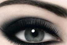 Make up / by Simona Valcu