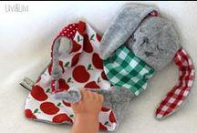 """Kuschelhase Moritz / Mit meinem EBook """"Kuschelhase Moritz"""" lassen sich die unterschiedlichsten Häschen zum kuscheln und schmusen nähen. Hier findest du ganz tolle Designbeispiele. Lass dich inspirieren :-)"""