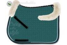 Mattes / Les produits personnalisables Mattes : tapis de selle, amortisseurs, bonnets, sangles, guêtres, MER-System