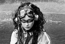 Steampunk girl mechanic / A corset-free steampunk wardrobe