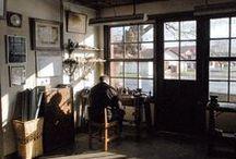 Notre atelier / Notre atelier se trouve dans le petit village de Larressore, au Pays Basque. Nous y fabriquons depuis plus de 200 ans des makhilas, avec les mêmes gestes, les mêmes savoir-faire et la même passion que nos ancêtres.