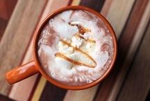 Горячий шоколад / Горячий шоколад согревает не только тело, но и душу. Под горячим шоколадом обычно принято понимать напиток, приготовленный с использованием натуральных обжаренных и измельченных зерен какао. Чем выше содержание какао в горячем шоколаде, тем более насыщенным вкусом он обладает.