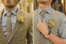 Boutonnieres / flowers for the groom