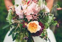bridal bouquets / Unique bridal flowers