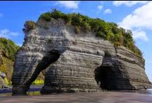 Crazy Rock Formations - New Zealand / Collection of crazy natural rock formations around New Zealand