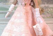 Barbie  e (Bonecas) / todas lindas... em muitas versões em muitos estilos !