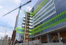 """Green Court Bucharest / Lucrarile la faza I a proiectului de birouri """"Green Court Bucharest"""", unde OCTAGON  executa in prezent structura corp A (partea de beton si beton otel), se apropie de final. Iata cateva fotografii de actualitate de la proiectul localizat in partea de N- NV a capitalei, pe Str. Herastrau."""
