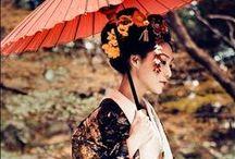和服 / 日本の民族衣装。着物の他 十二単も含む。