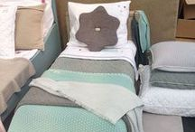 Kinderkamer inrichting mint  / Bedaankleding, accessoires, dekens, luierbox, hydofiele doeken alles mint.