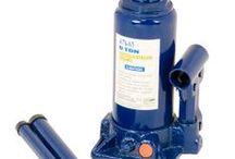 ŞİŞE KRİKO / Atlas hidrolik şişe krikolar hafif araç ve ağır tonajlı araçları kaldırma için idealdir. Şişe kriko serisi 100 ton taşıma kapasitesine kadar taşımaktadır.