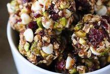VEGAN BITES / Recipes for healthy energy bites! Enjoy on-the-go!