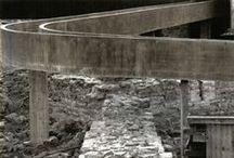 Mirar hacia el muro / Visiones de arquitectura ejemplar