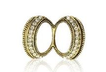 Pracky na šatky a šále / Pracky na hodvábne šatky a šále najvyššej kvality. Pracky sú ručne vyrábané a následne brúsené. Vyrábajú sa len z kvalitných materiálov aby pôsobili luxusne a jedinečne. Pracka je vkusným doplnkom hodvábnych šatiek a šálov k Vášmu outfitu. Šatky so šperkami sa stanú ozdobami Vášho oblečenia! Pracky na šatky sú fantastické módne doplnky. Každej šatke alebo šálu dodájú šmrnc a rafinovanosť.