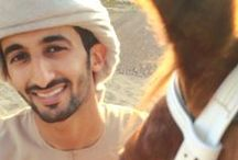 Rashid DJM - Shamsa SMM 1 / Rashid bin Dalmook bin Juma Al Maktoum casado con Shamsa bint Saeed bin Mohammed bin Hasher Al Maktoum, 17/02/2015 .  Hijos : Saeed, 04/01/2016; Mohammed, 17/09/2017;