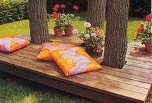 décoration extérieur / Chaises longues avec palettes en bois :)