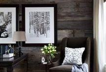 Идеи для спальни / Собственно нравятся серые спальни в классическом стиле, белый потолок, черная или белая мебель, серо-бежевый текстиль