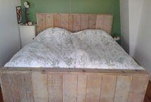 Meubelen / Meubels gemaakt van pallethout, steigerhout, vurenhout etc.