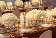 White & Lights Wedding Ideas / White flowers & lights to create an elegant and romantic wedding