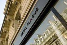 Metal Flaque. 9, rue de l'Echelle 75001 Paris. / Photos de Metal Flaque. Premier concept store de robes de mariée à Paris.