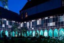Vie nocturne et divertissement en Alsace / L'Alsace cultive sa bonne humeur jusqu'au bout de la nuit. Bars branchés, salles de concert, cabarets à la renommée internationale, casinos… vous aurez le choix des adresses où vous amuser !