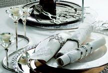 Sofra Aksesuarları / Bernardo'nun sofra aksesuarlarıyla masalarınız daha şık. Peçete halkaları, şamdanlar, suplalar, masa örtüleri, runnerlar, mumluklar, dekoratif ürünler ve dahası sizler için özenle seçilmiş...