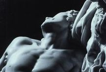 Statue / Culture & Art