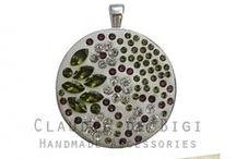 Dijes con cadena / Realizados con cristales Swarovski Elements, cadena de acero quirúrgico