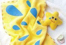 Kinder-Accessoires nähen / Mütze, Schal und hübsche Accessoires für Kinder lassen sich ganz einfach selber nähen! Hier gibt's die passenden Schnittmuster und Nähanleitungen
