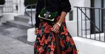 Outfitinspo: Flower Power Dress / Blumenkleider sind nur was für den Sommer? Falsch gedacht! Wir lieben den Look auch im Herbst und Winter.