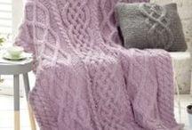 Decken selbstgemacht / Ob Babydecke, Patchworkdecke und Quilt, Strickdecke oder Häkeldecke: Wer unter einer selbstgemachtem Decke weilt, genießt die doppelte Portion Geborgenheit. Die schönsten Anleitungen zum Selbermachen gibt's hier!