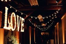 Inspiration // Rustic & Vintage Barn Weddings / Inspiring lighting and decor ideas for rustic and vintage barn weddings