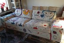 My sofa art on the way / I paint a sofa, will be on sale in an auktion, all the mony goes to fight cancer here in Denmark.
