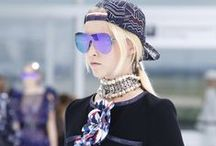 PFW Recap: Accessorize / Tousled waves, easy ponytails, disheveled up-dos were the season's go-to hairstyles, however at PFW it was all about the hair accessories that transformed these styles. Paris Fashion Week, Accessorize, h-a-l-e.com