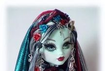 Monster High Dolls / We love these ghoulish fashion dolls at our house! You will find all kinds of pins pertaining to the Monster High Dolls including accessories, cakes and the dolls.