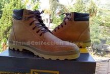 Koleksi Sepatu dan Sandal / Berbagai model sepatu kulit handmade ada di sini, bahan kulit asli.